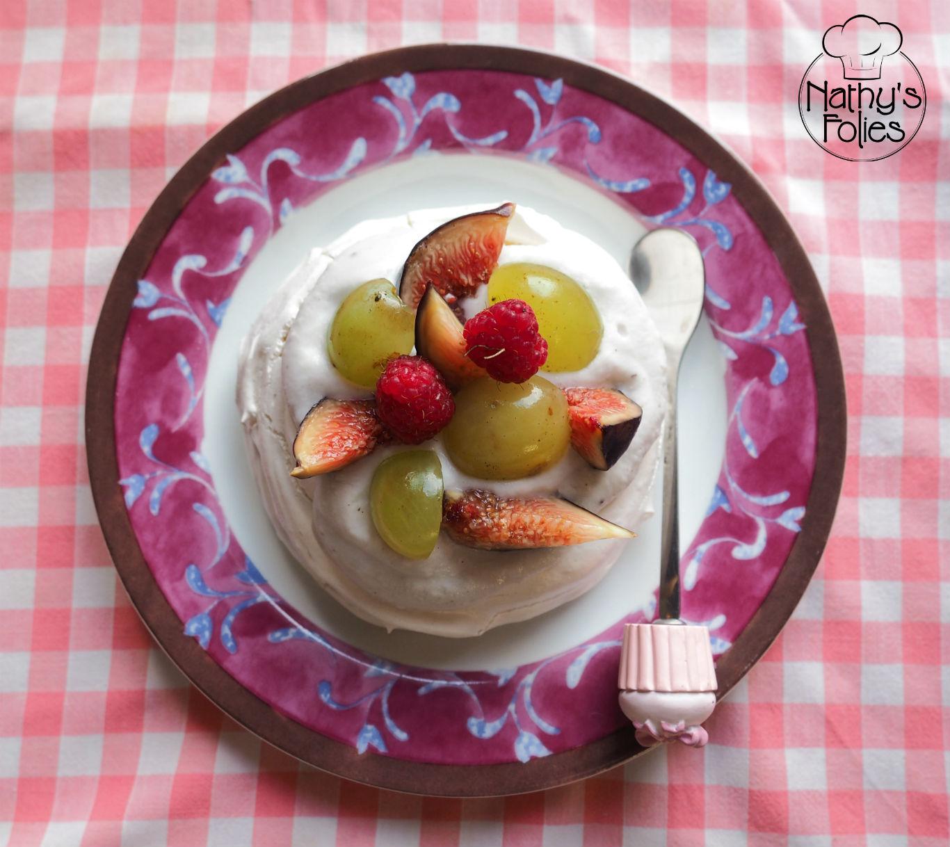 Pavlova aux figues et aux raisins (sans lactose)