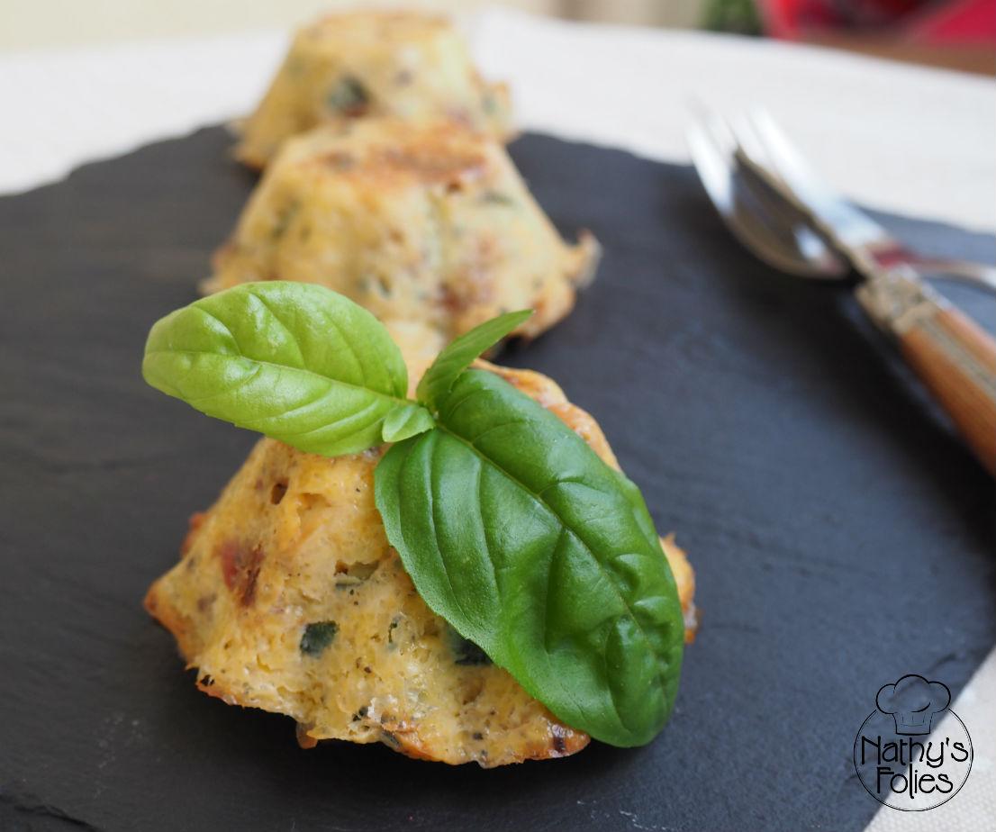 Flan de polenta à la courgette et tomates séchées